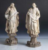 Zwei geschnitzte Heiligenfiguren, 18. Jahrhundert, Holz, rücks. abgeflacht auf separaten