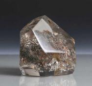 Bergkristall mit Einschluss, gediegenes Silber, H. ca. 9 cm. Abschläge.