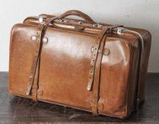 Große lederne Reisetasche, wohl 20-30er Jahre, festes Rindsleder mit massiven verchromten