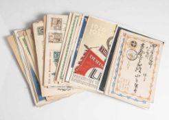 Konvolut von 56 alten Postkarten und Umschlägen, um 1900 und III. Reich, allesamt gelaufen.
