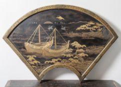 Schönes Lackpanel, Japan, wohl 18./19. Jahrhundert, in der Form wie ein Fächer gearbeitet,