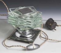 Tischlampe, Frankreich, La Maison Desny, über quadratischem Stand mit Spiegelglas und