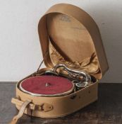 Koffergrammophon Telefunken, Mod. Lido, 1950er Jahre, sehr gepflegter Zustand.
