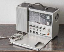 Designklassiker: Weltempfänger, Braun T 1000 CD, Entwurf: Dieter Rams 1968, Aluminium und