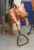 Kleines Karussellschweinchen, neuzeitlich. L. ca. 63 cm, H. ca. 66 cm.