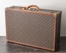 Louis Vuitton Koffer, Anfang 1970er Jahre, Alzer, in gutem, gepflegtem Zustand. H. ca. 49,5 cm, B.