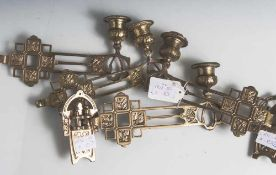 4 Klavierleuchter für Kerzen, um 1900, Bronze, vergoldet, schwenkbar, identische Ausführung, zwei