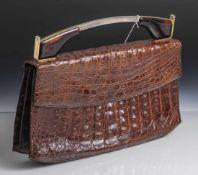 Damenhandtasche, 1950/60er Jahre, braunes Krokodilleder, Metallbügel mit Auflagen in