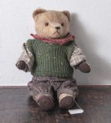 Teddybär, um 1920, hellbraunes, kurzfloriges Fell, drehbarer Kopf, Scheibengelenke. Glasaugen.