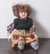 Künstlerpuppe, gemarkt: Germany 530. Kopf, Arme und Beine aus Biskuitporzellan. Stoffkörper.