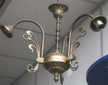 Deckenlampe in der Art des Jugendstil, neuzeitlich, 3-armiges Messinggestell, elektr. Deckenhöhe ca.