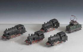 5 Lokomotiven, 4 x Märklin: 81004, 89005, 89006, 3029, 1 x Roco: 69002-3. Alters- und