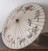 Sonnenschirm, China, um 1900, Bambusgestell, Seide auf Papier, mit feiner Malerei von