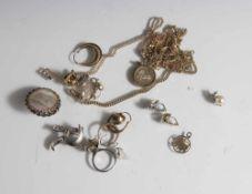 Posten Modeschmuck, darunter zwei Ketten, zwei Sternzeichenanhänger, diverse Ohrringe, ein Ring,
