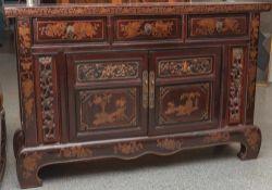 Anrichte, China, neuzeitlich, Holz, rotbraun lackiert, 2-türig mit darüberliegenden 3 Schüben, die