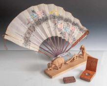 Konvolut, 4 Teile China, wohl um 1900, bestehend aus: Holzschnitzerei (Bauer am Pflug mit