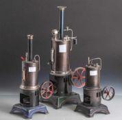 Konvolut von drei Dampfmaschienen ,Hersteller Dora, wohl 20er7 30er Jahre. Alle mit stehenden