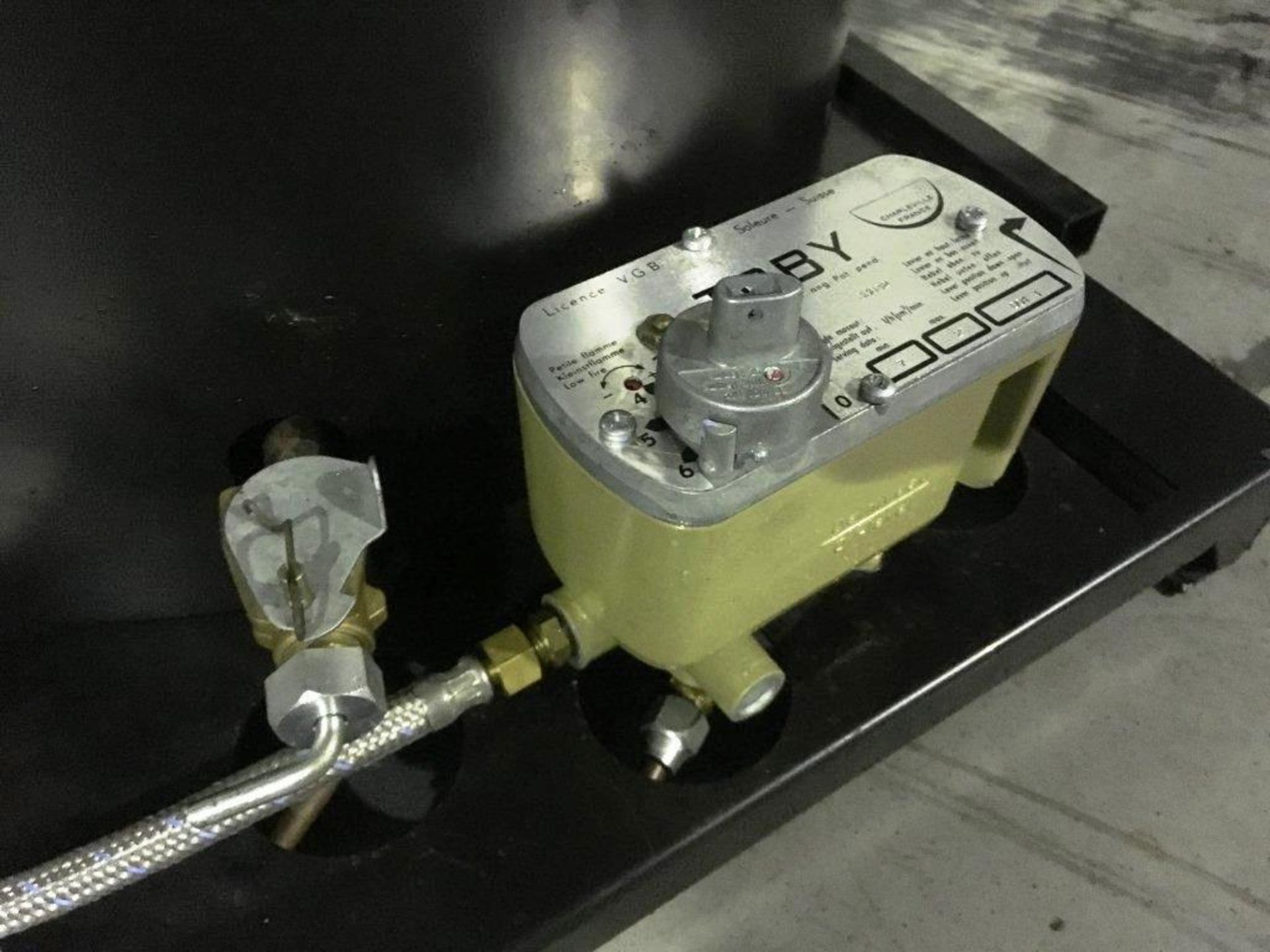 Lot 15 - Unissued Deville Campaign Multi-Fuel Heater