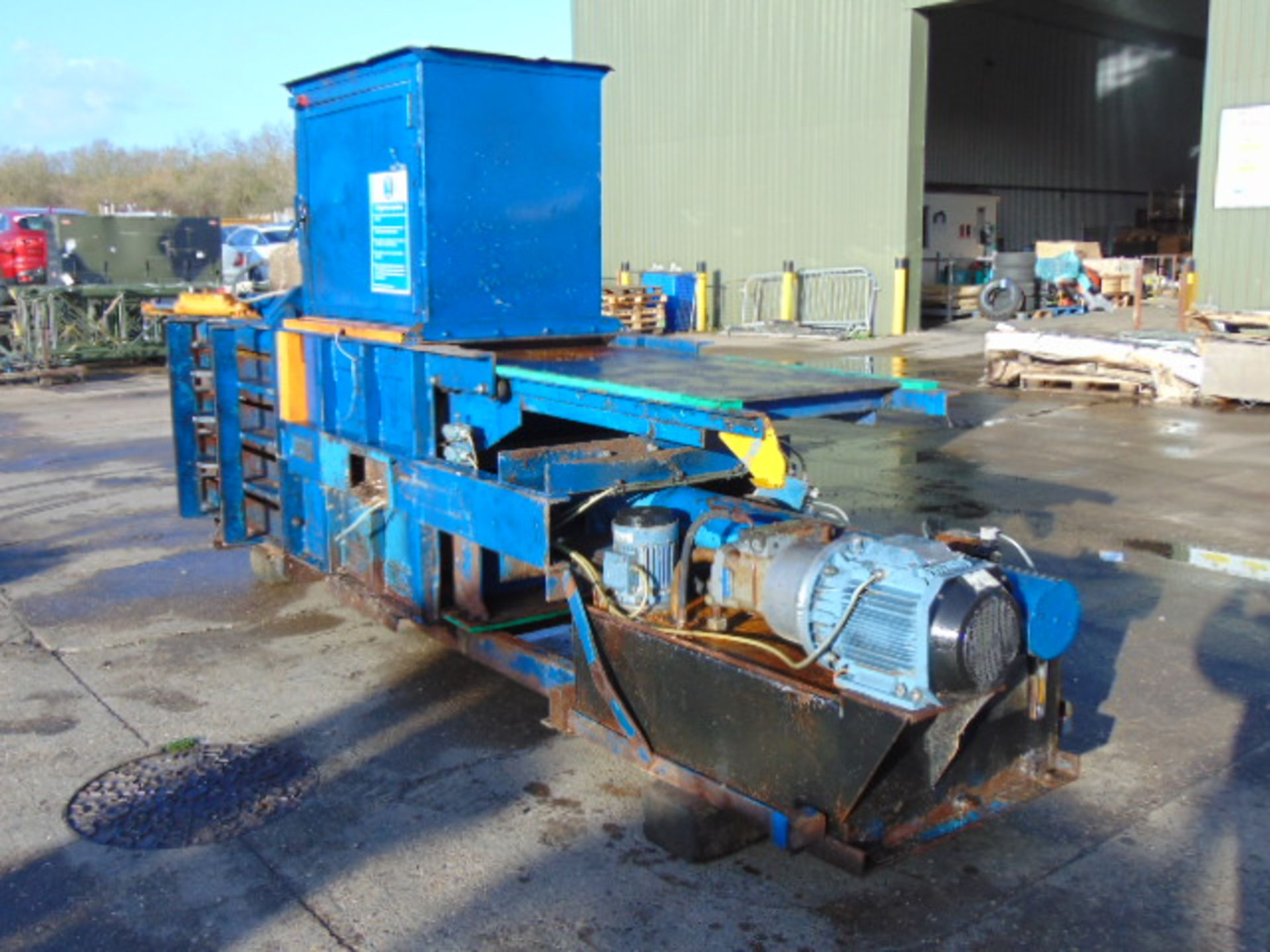 Lot 32 - Ken Mills T40H Horizontal Baling Press Waste Compactor