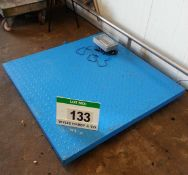 A JADEVER JIK-6CSB 1000Kg/200g Digital Scales with An Approx. 1200mm x 1200mm Steel Checkerplate