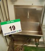 A SYSPAL Single Station Knee Operated Stainless Steel Sink. (A Method Statement is Required Prior to