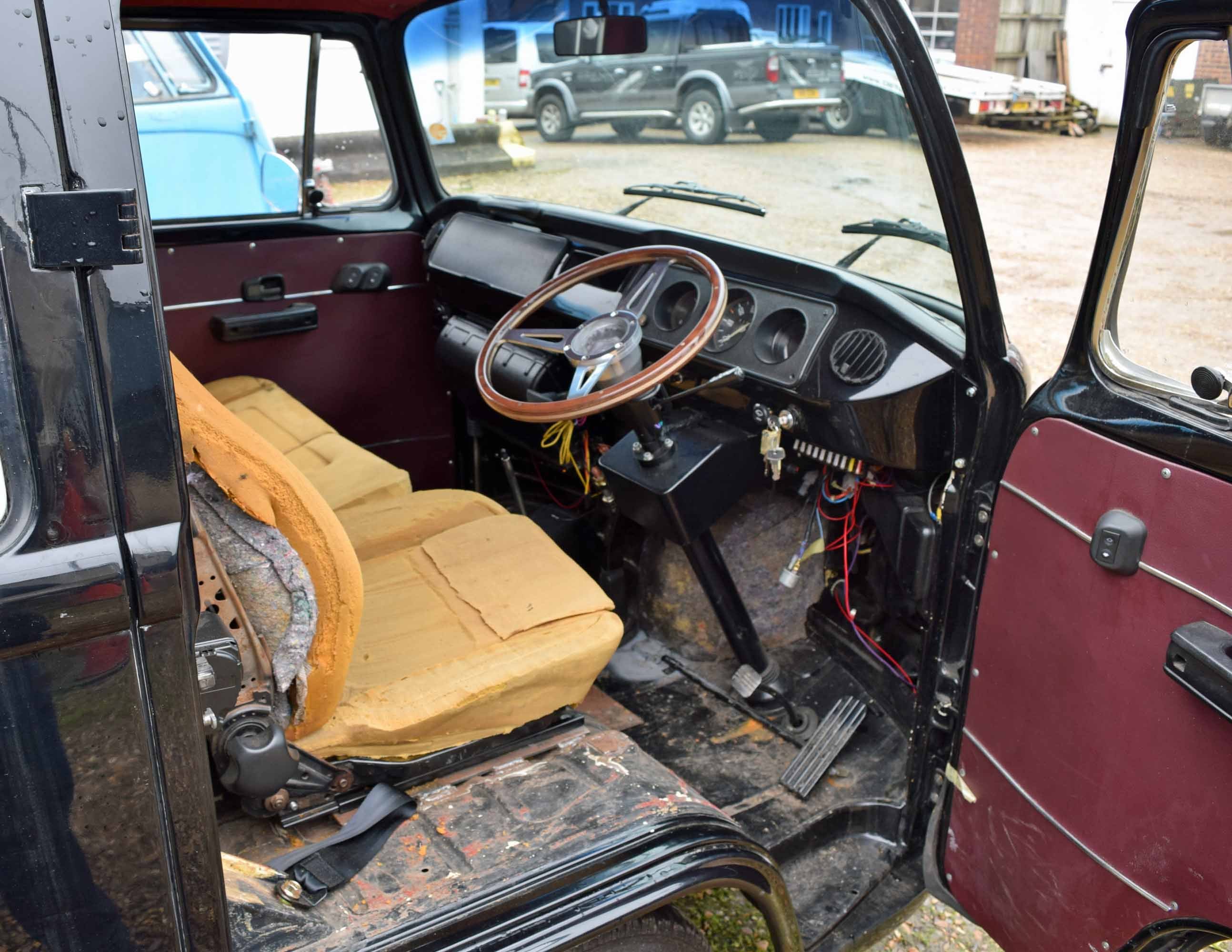 Lot 33 - 1983 VOLKSWAGEN Type 2 Bay Window Crew Cab Pick-Up, (Brazilian Import) 1641cc Air Cooled Engine, 3-