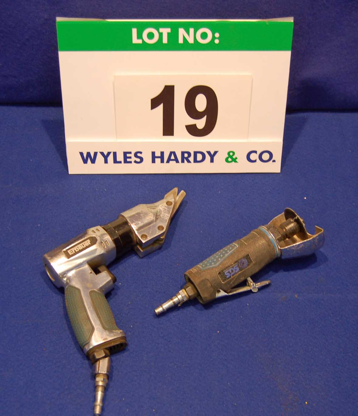 Lot 19 - A ERBAUER Pneumatic Nibbler and An SGS 3 inch Pneumatic Cut-Off Saw