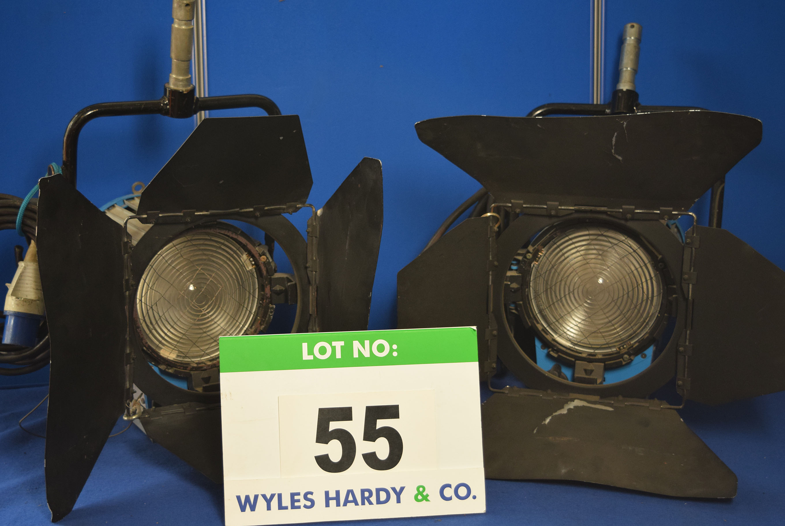 Lot 55 - Four ARRI 2000 2000W Lights each with fitted Barn Doors and Stirrup Mounts