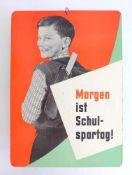 REKLAMESCHILD, Schulspartag, Sparkasse, 1950er/60er-Jahre, Pappe, polychrom, doppelseitig, Junge mit