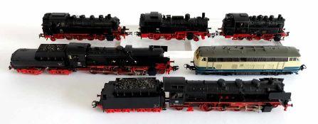 LOKOMOTIVEN, Konvolut von 6, Hersteller Märklin, Spur H0, bestehend aus: 5 Dampfloks: BR 041, 52,