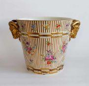 GROßER CACHEPOT, Historismus Epoche, wohl Paris, Klassizismus Stil, Porzellan, bunt/Gold,
