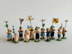 BLUMENKINDER, Sammlung von 11, Hersteller Wendt & Kühn/ Grünhainichen, Holz, gedrechselt und
