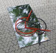 Große Boden-Plastik - Helmut Senf (*1933) Stahl, Edelstahl und Farbe, datiert 1987, Spiel mit Farbe,