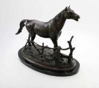 """""""Cheval à la Barriere"""" - Pierre Jule Mène (1810-1879) Bronzeguss, patiniert, schreitendes Pferd am"""
