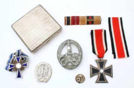3. Reich - Ordensnachlass eines Wehrmachtssoldaten mit Bandenkampfabzeichen in Silber