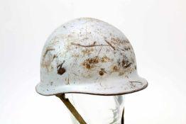 USA - Modifizierter Stahlhelm M1 Der Helm entgegen der U.S.-Version mit Lederinnenausstattung