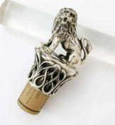 Silberner Flaschenverschluss mit vollplastischem Löwen - um 1900 Silber 800 gest., 2 weitere,