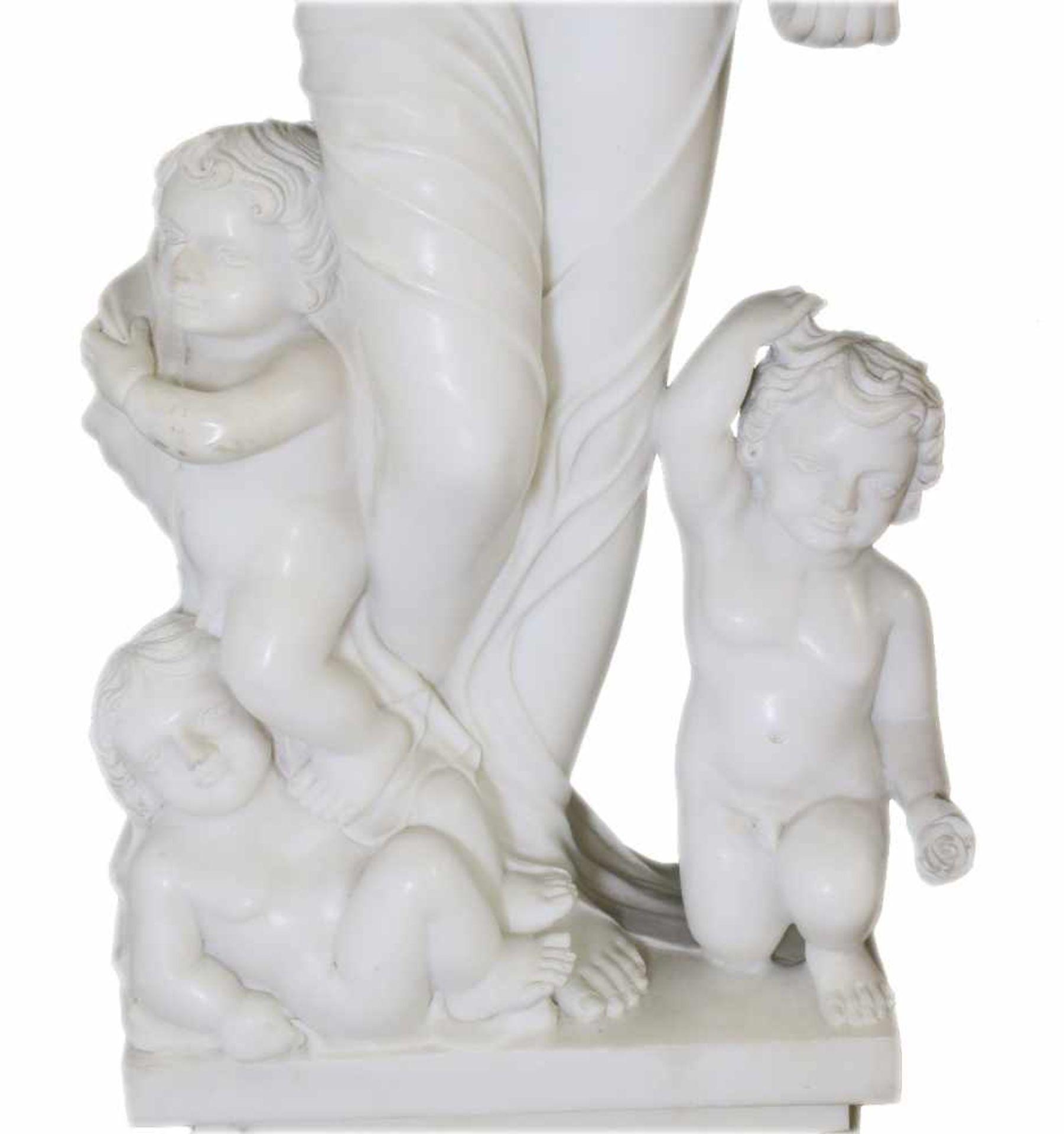 """Große Marmorfigur - """"Allegorie des Sommers"""" Weiblicher Halbakt aus weißem Carrara Marmor. In der - Bild 3 aus 5"""