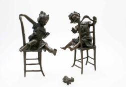 2 Bronzeskulpturen nach Franz Iffland (1862-1935, Berlin) Beide Skulpturen aus Bronze gegossen. 1x