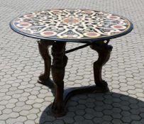 Herausragender Marmor-Intarsien Tisch - Lapislazuli Im italienischen Stil, Platte aus vielfarbigem