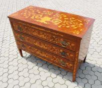 Empire Kommode Im Stil um 1800, 3 Schubladen, gefertigt aus afrikanischen Edelhölzern. Platte, Front