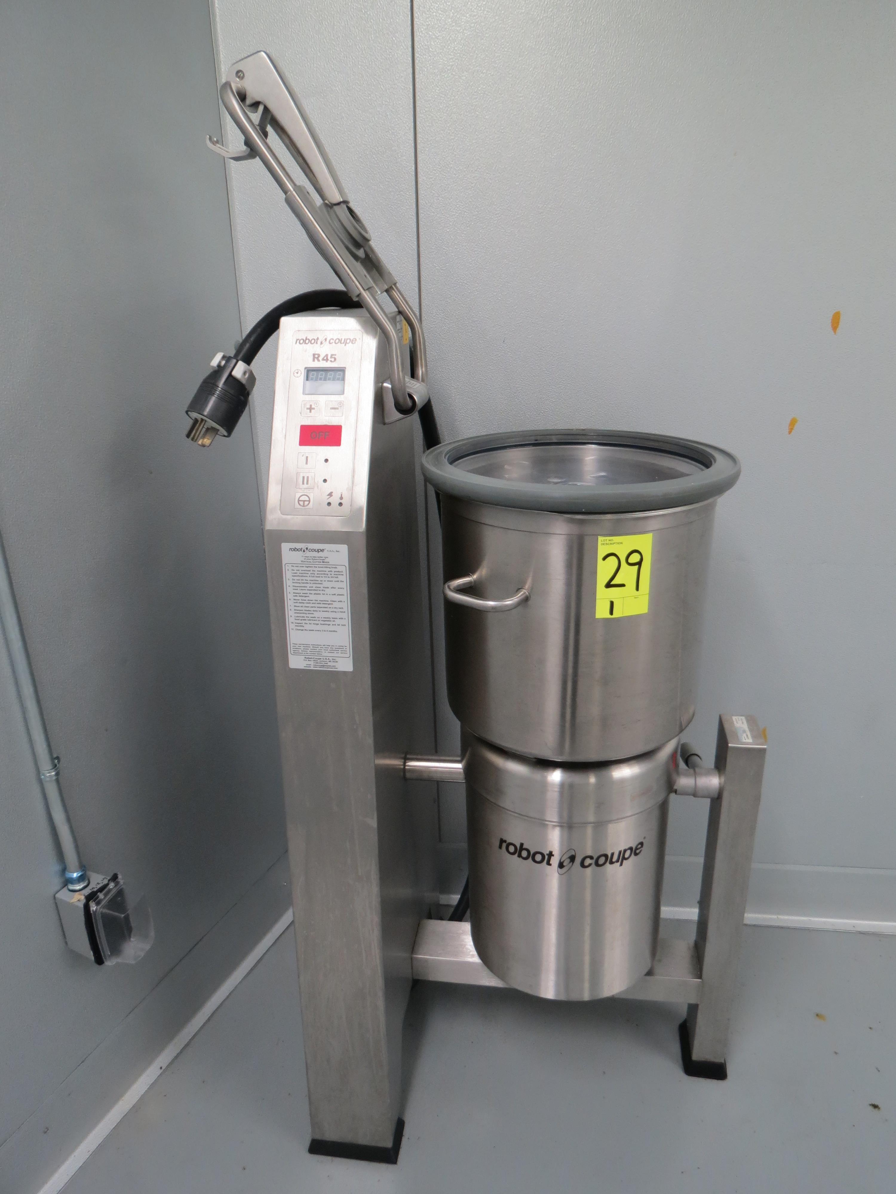 Lot 29 - ROBOT O COUPE R45 VERTICAL CUTTER MIXER