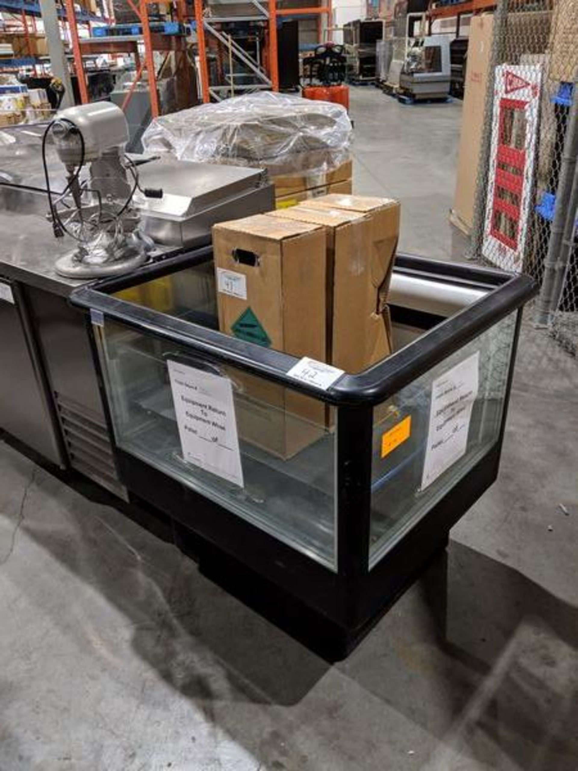 Lot 42 - Refrigerated Spot Merchandiser