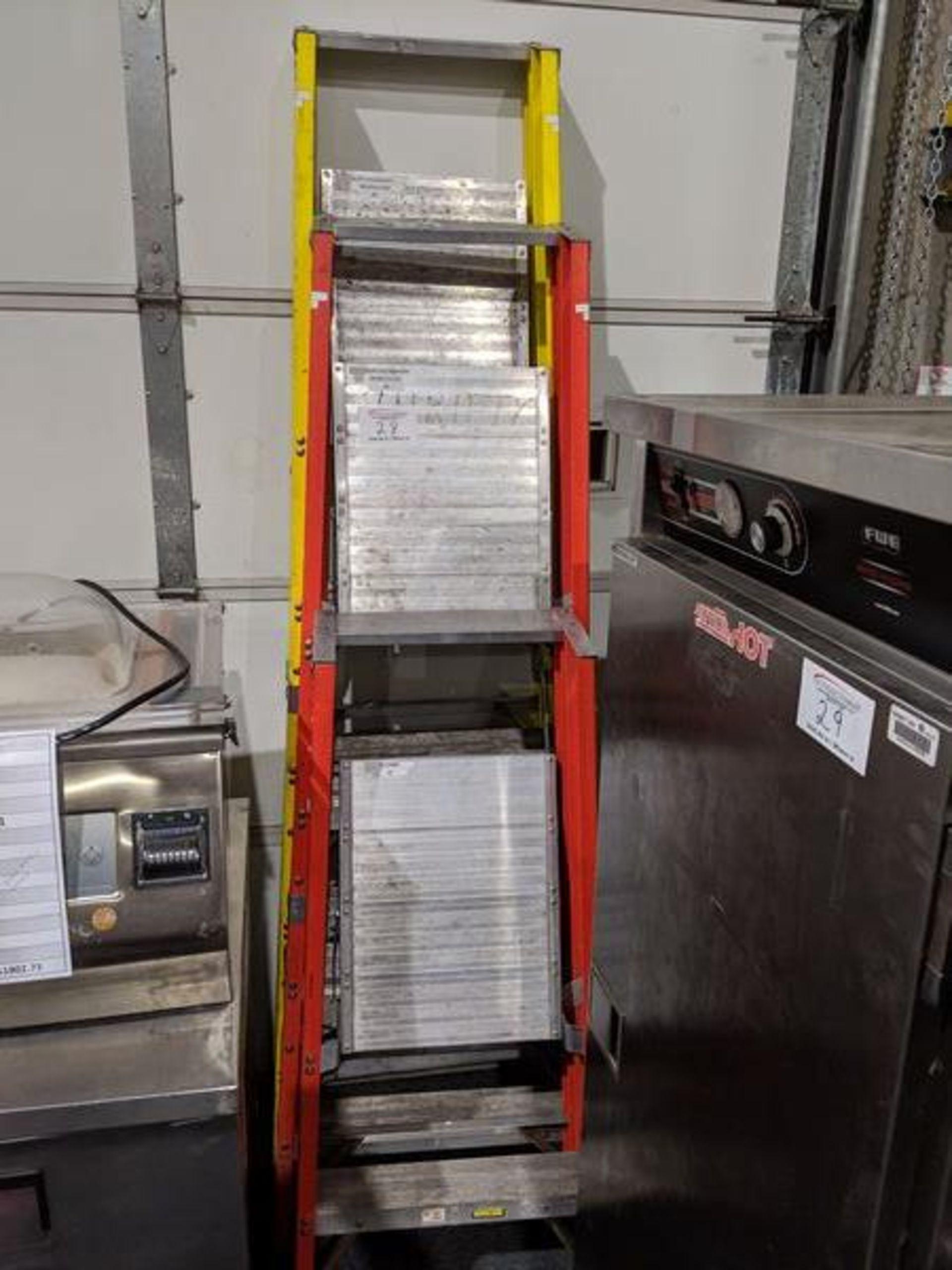 Lot 28 - 3 Featherlite Step Ladders