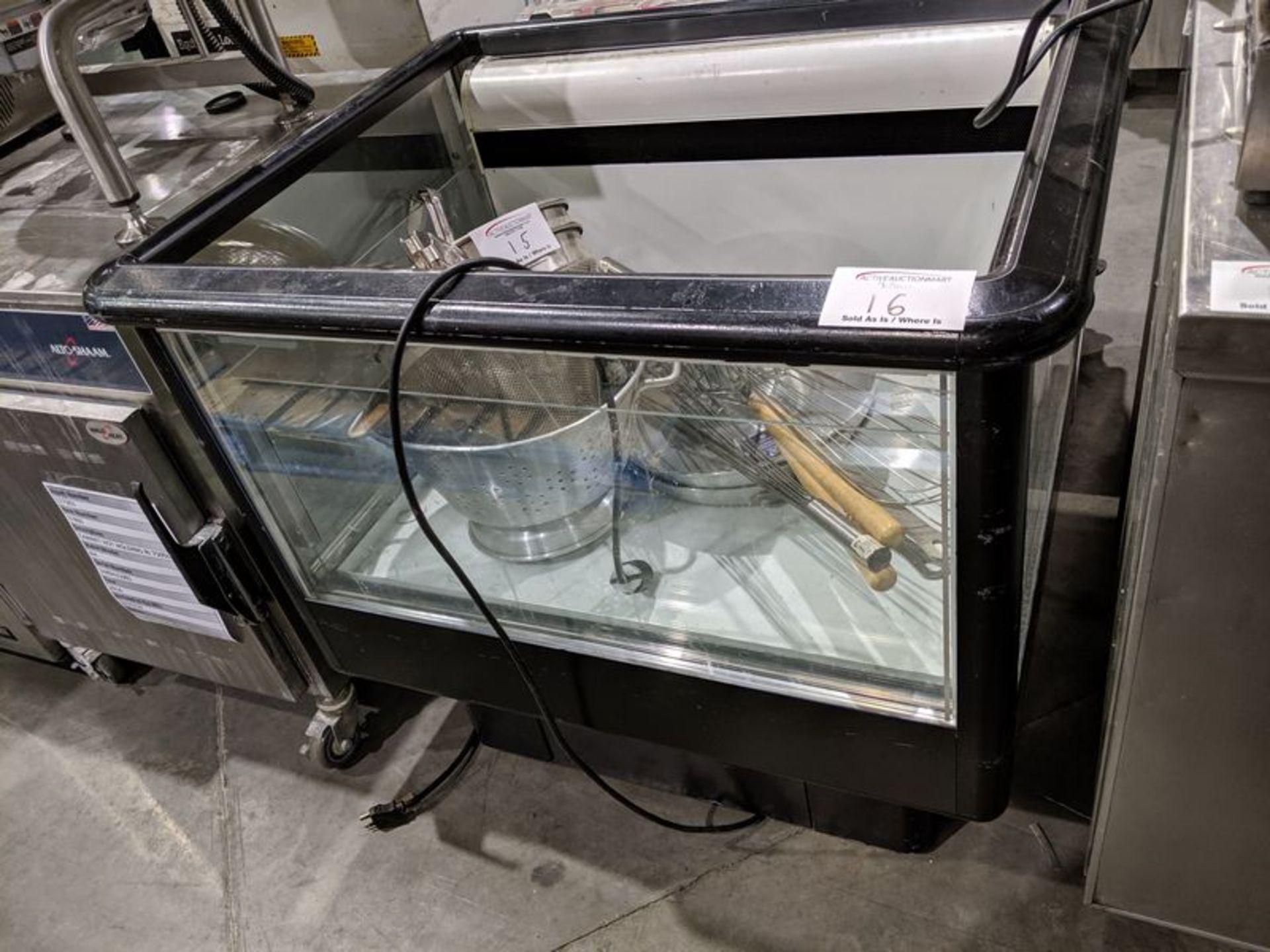 Lot 16 - Carrier Refrigerated Spot Merchandiser