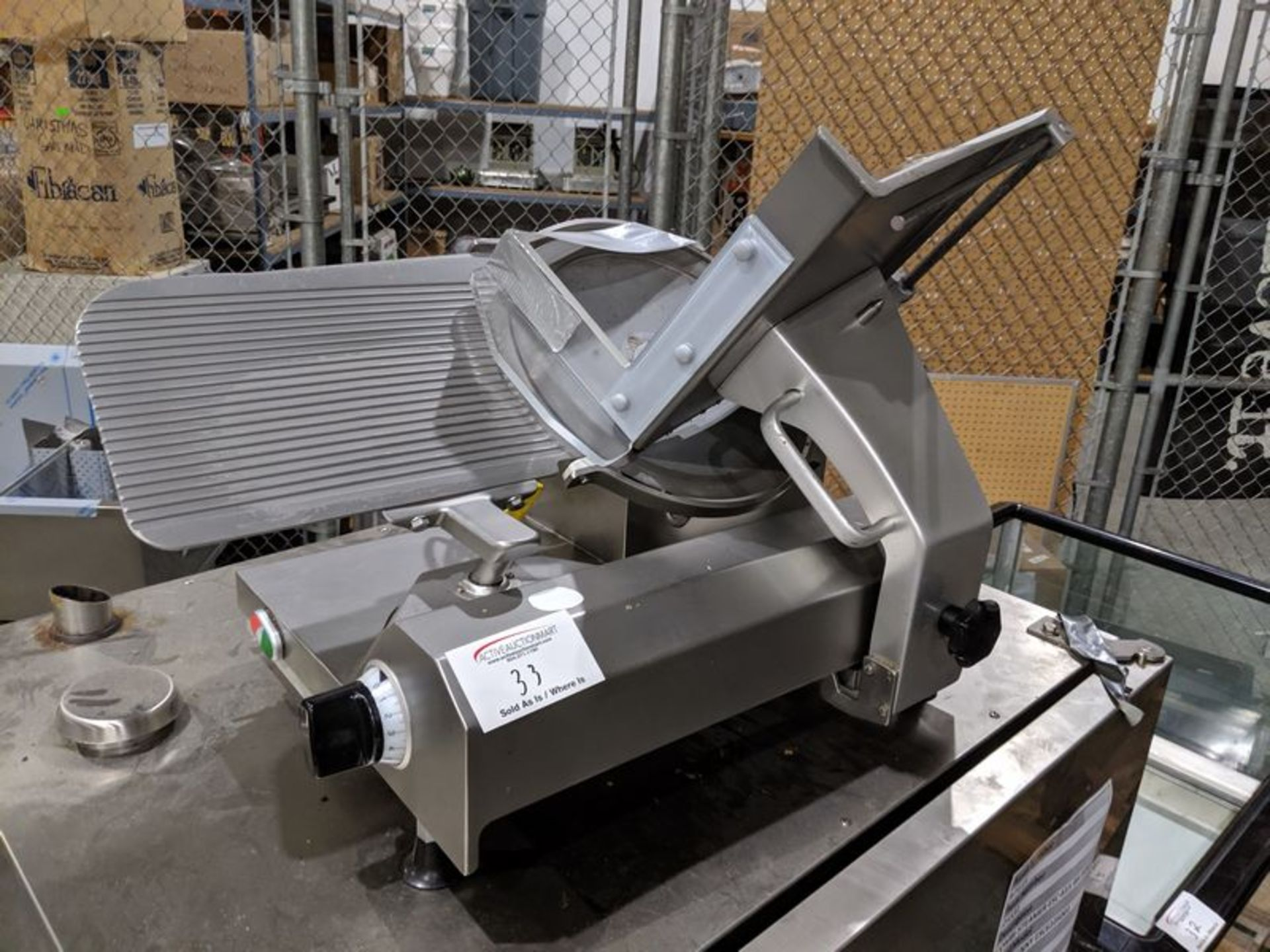 Lot 33 - Scharfen Model E2000S Electric Slicer - Note no blade guard
