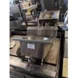 Stainless Steel Hand Sink with Knee Controls