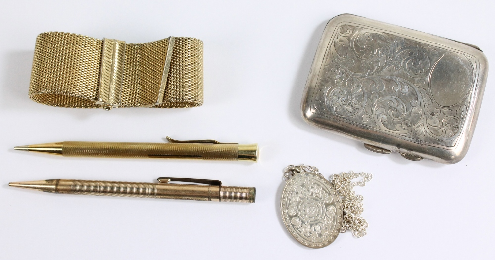 Lot 21 - A small group of items comprising two gold plated propelling pencils, gold plated mesh bracelet,