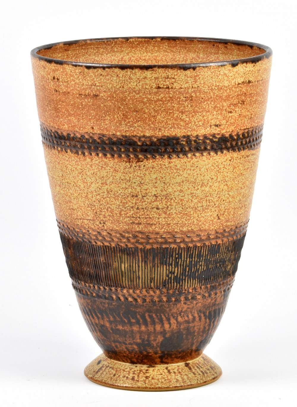 Lot 113 - RAY MARSHALL (1913-1986); a tapered stoneware vase on splayed foot, incised signature and dated