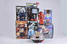 Konv. 6 Teile, versch Hersteller, Kunststoff, Saturn Robot, H 24-31 cm, DICKIE Raumschiff Roboter,